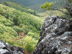 絶壁の岩場