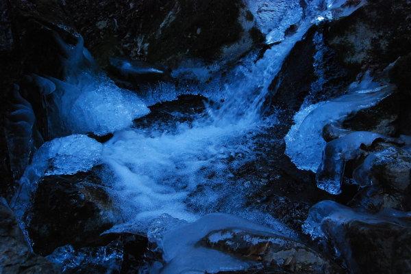 丸神の滝氷瀑