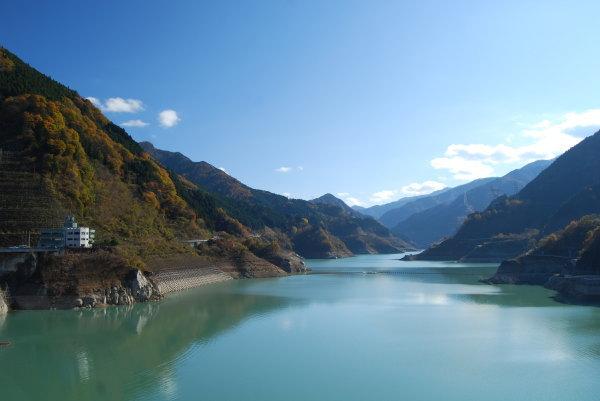 浦山ダム(さくら湖)