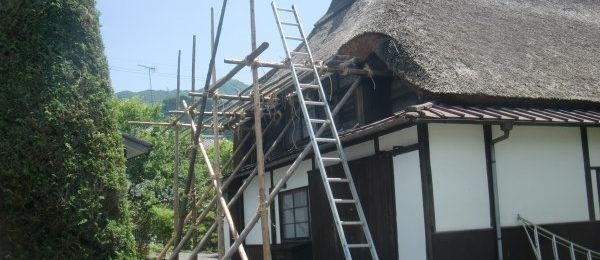 茅葺き屋根の葺き替え