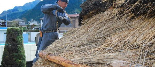 茅葺き屋根 職人