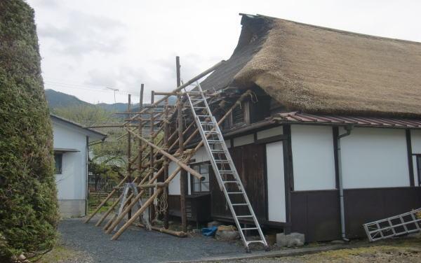 茅葺屋根 葺き替え